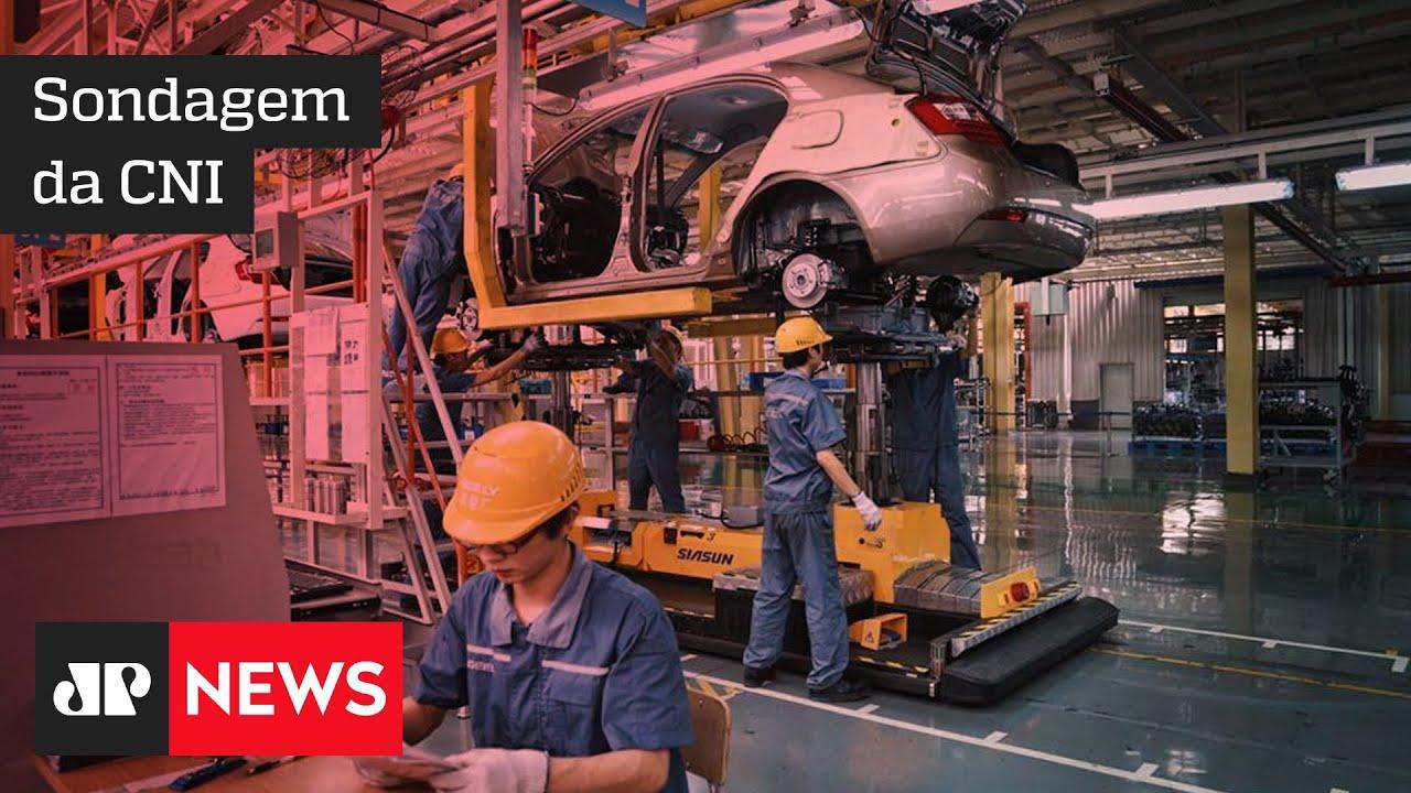 Emprego na indústria surpreende e demonstra recuperação em dezembro - #JM